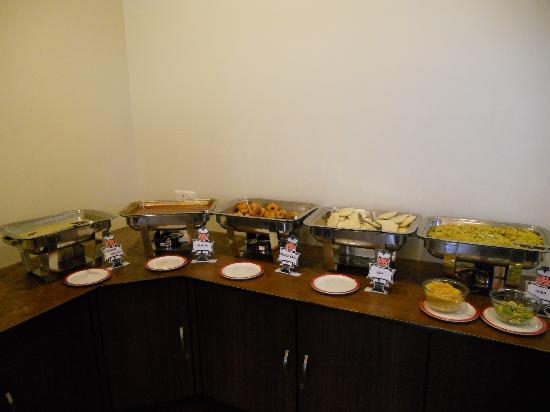 Suman raj Resort : Breakfast buffet
