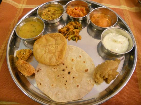 Suman raj Resort : Lunch thali