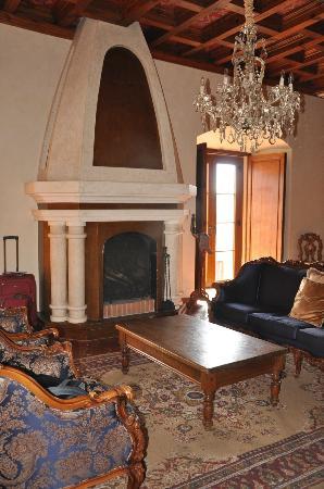 Palacio de Dona Leonor: Otra vista de la habitacion