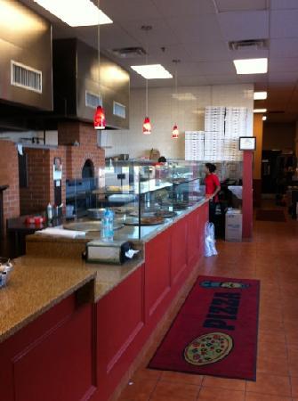 Nonna's brick oven pizzeria & restaurant: friendly front counter