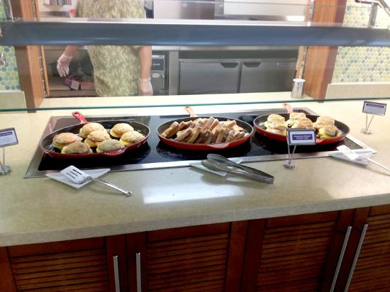 Hyatt Place Waikiki Beach: Hot Breakfast Sandwiches and Waffles