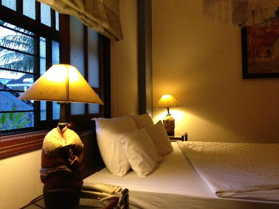 An Huy Hotel: It's a nice room