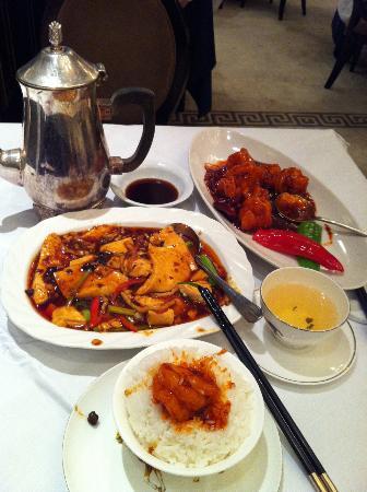 Hunan Garden : Braised Tofu, Jasmine Tea, Fried Prawns w/Chili
