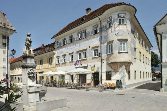 Радовлица, Словения: Vidic House in medieval old town houses a youth hostel nad a nice cafeteria
