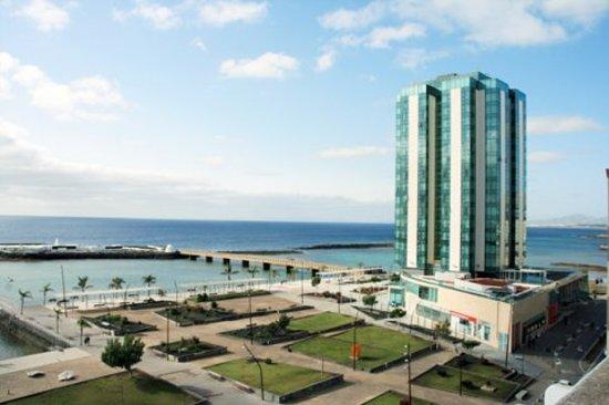 Apartaments Islamar Arrecife : Desde nuestras terrazas.