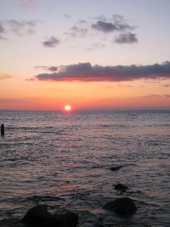 Rockstone Cottage: Colwell Bay sunset