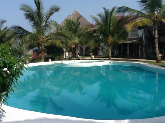 Ora Resort Nungwi Lodge: Piscina del My Blue