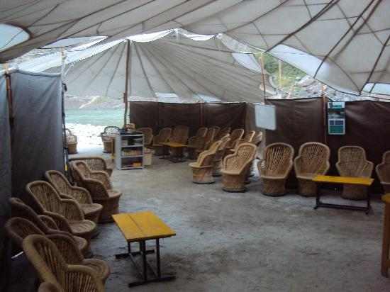 Dining tent - Camp Silver Sands