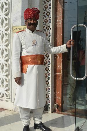 Agra - Regal Vista, A Sterling Holidays Resort: Doorman