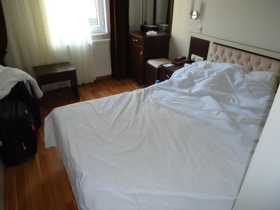 Grand Mark Hotel_The Room