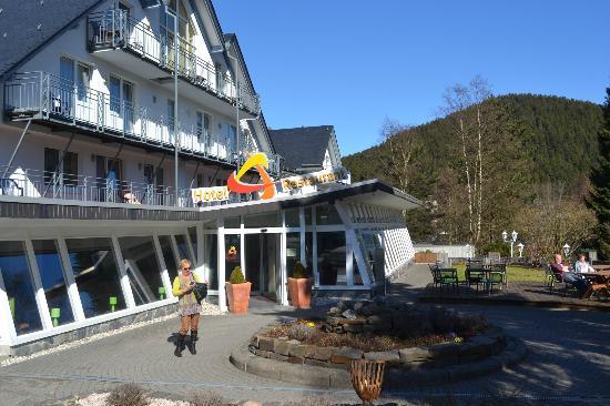 Venue Hotel am Park: zonnig terras