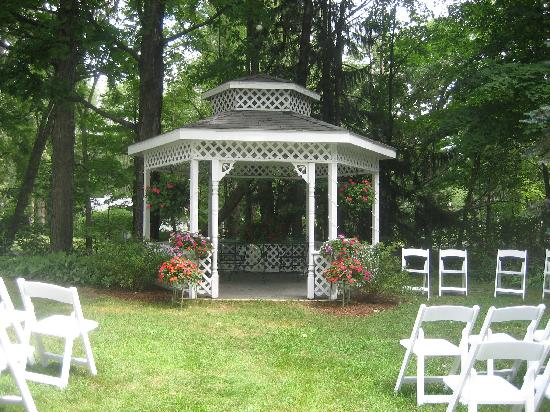 Crystal River Inn B&B, LLC: Gazebo Wedding
