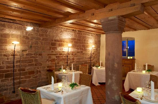 Kloster Hornbach: Restaurant Säulenzimmer