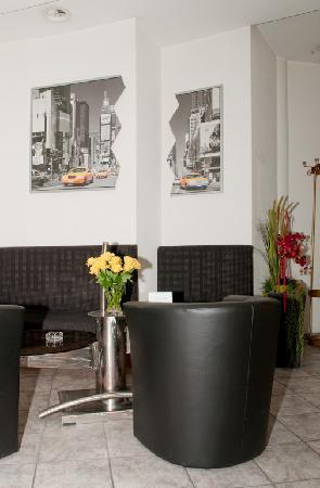 Forum Hotel Widnau: Hotellobby