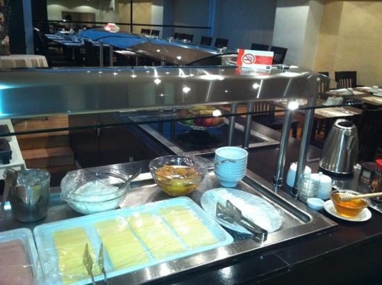 Athens Lycabettus Hotel: la colazione a buffet