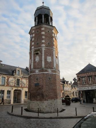 La Tour de Crecy: Village Square