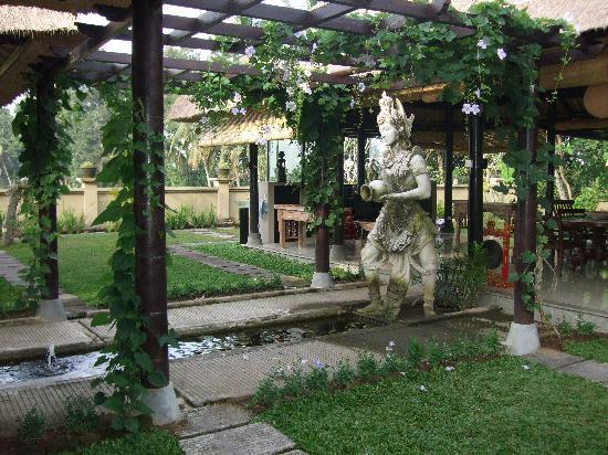 Villa Puri Darma Agung: Restaurant Pavilion