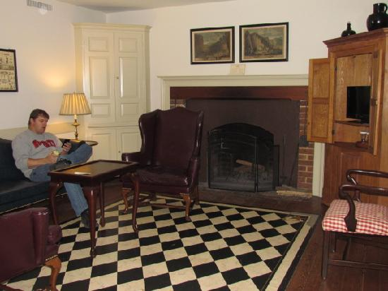 Colonial Houses-Colonial Williamsburg: Living Room with wood fireplace