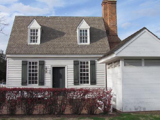 Colonial Houses-Colonial Williamsburg: Front of House