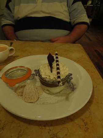 Capriccio Grill : Delicious dessert (and I know what I'm talking about)
