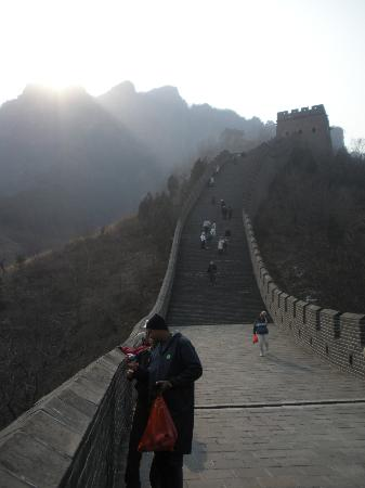 Great Wall at Huangya Pass (Huangyaguan Changcheng): The view up the Wall into the mountains above.