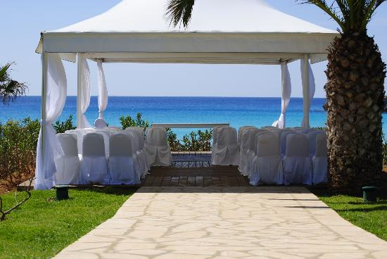 Nissi Beach Resort: Stunning wedding venue