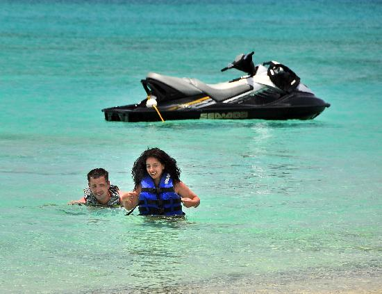 West End Water Sports: The perfect honeymoon picture