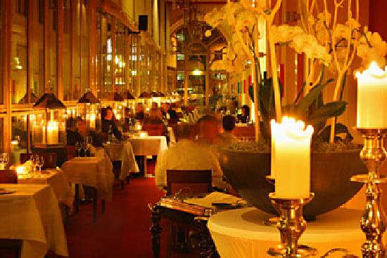 le m rou restaurant k ln altstadt nord restaurant bewertungen telefonnummer fotos. Black Bedroom Furniture Sets. Home Design Ideas