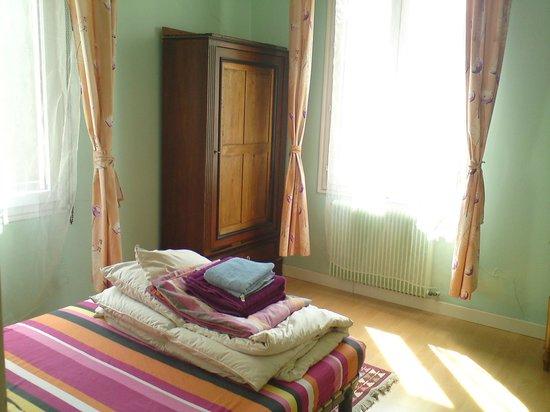Villa Rima: Chambre avec matelas confortable