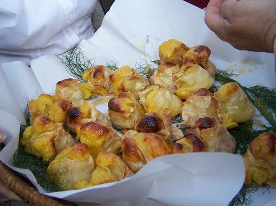 "Agriturismo Su Stai: ""Is Pardulas"" dolci tipici di ricotta fresca e miele"