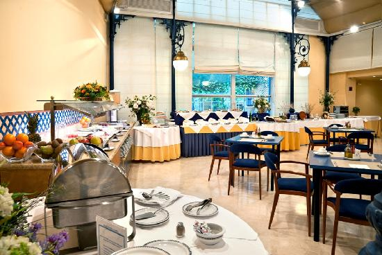 Senator Huelva Hotel: Buffet de Desayunos