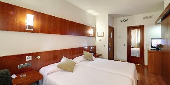 Monte Conquero Hotel: Habitación