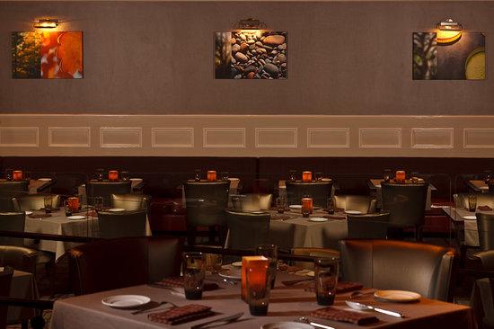 Blue Morel Restaurant: Blue Morel Dining Room