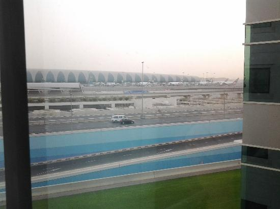 Premier Inn Dubai International Airport Hotel: View from the room