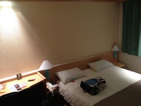 Ibis Senlis: bedroom