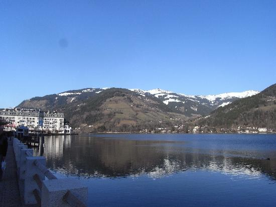 Hotel St. Georg: Zell am see lake and the grand hotel
