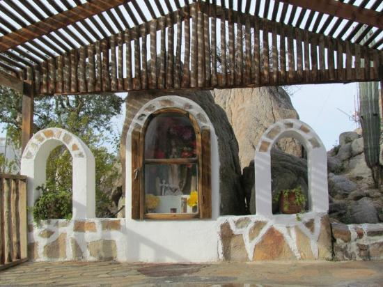 Desert Inn Catavina: Charming Shrine