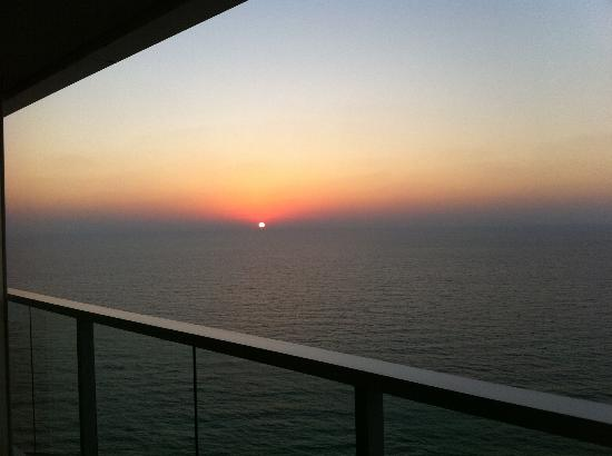 Island Suites Hotel: Sunset on the Med...