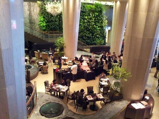 โรงแรมเชอราตัน แกรนด์ วอล์คเกอร์ฮิลล์: hotel lobby