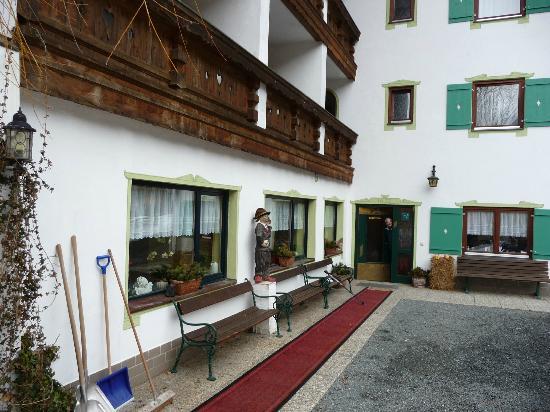 Waldrand: Hotel