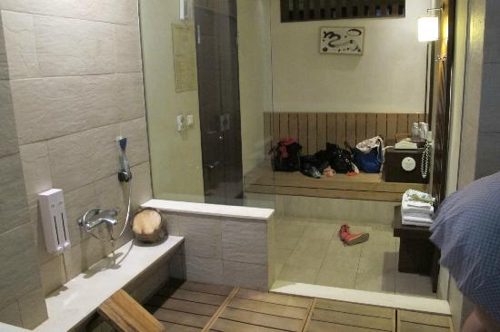 Sweetme Hotspring Resort: room