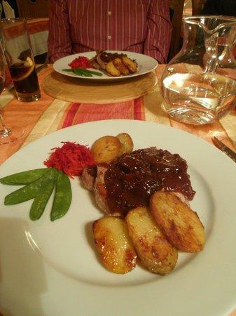 Le Citronnier : Main course of pork with prune confit