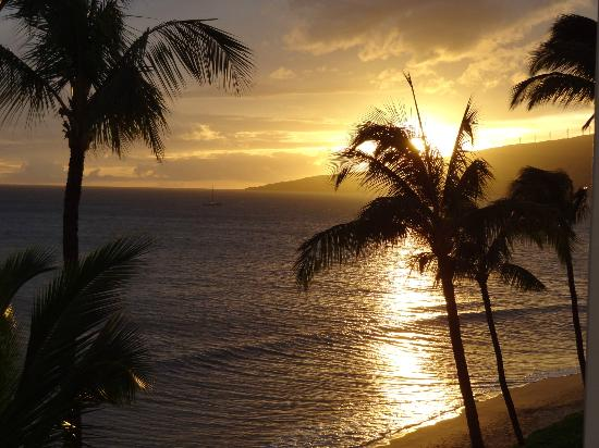 Sugar Beach Resort : Sunset from our lanai