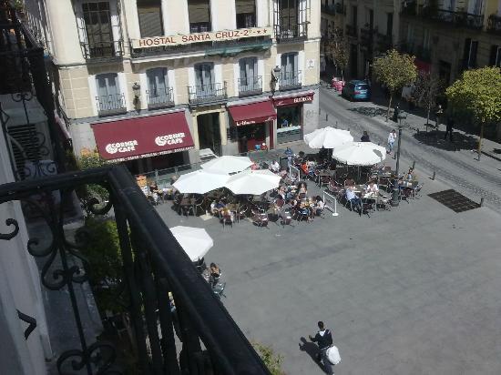 Hostal la Perla Asturiana: La piazza