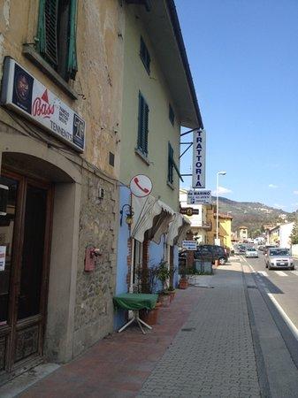 Serravalle Pistoiese, إيطاليا: INGRESSO TRATTORIA