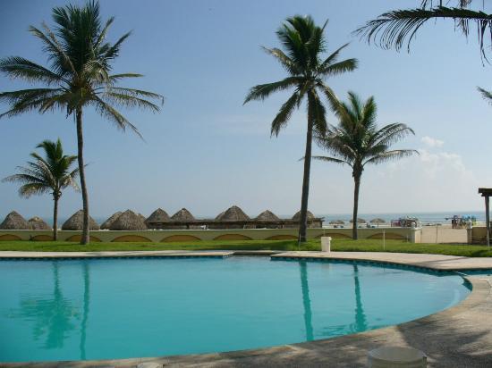 Club Maeva Tampico Miramar: alberca junto a la playa