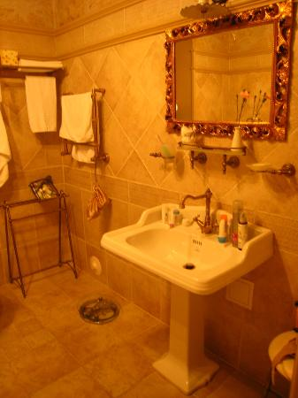 Villa Elena Hotel & Residences : bathroom