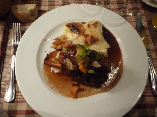 Hotel-Restaurante la Placa: Jambonneau et gratin de pomme de terre