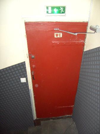 Appi Hotel: shared toilet
