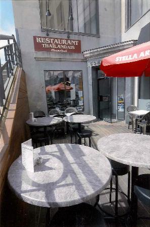 Restaurant thaïlandais Chanchai: Le restaurant est situé au coin des rues King Ouest et Wellington Nord au centre-ville de Sherbr